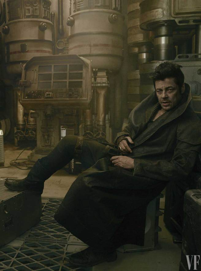 "Benicio del Toro as a ""shady"" character unofficially named ""DJ"" in Star Wars: Episode VIII - The Last Jedi"