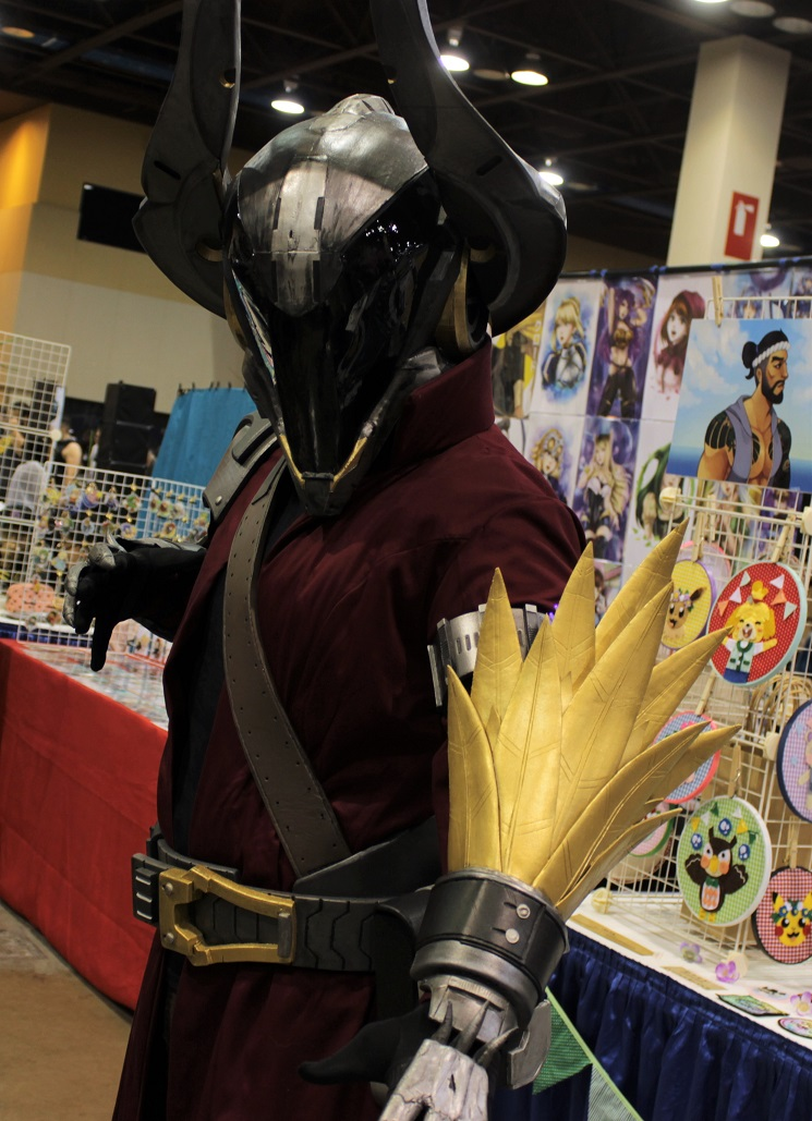 This warlock from Destiny cosplayer came ready for action. Photo by Justin Franco.