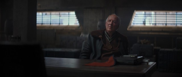 Caption : Werner Herzog is the Client in the Disney+ series THE MANDALORIAN. Byline : Lucasfilm Ltd. Copyright : (c) 2019 Lucasfilm Ltd. All Rights Reserved.