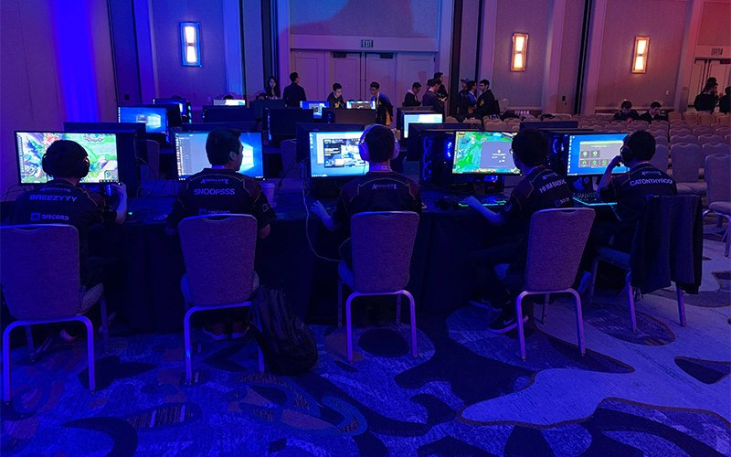 """The ASU League of Legends team competes at the ASU Global Silicon Valley Summit in San Diego in April 2019. Brindon """"Breezyyy"""" Keesey (far left), has been signed to the 100 Thieves' Academy team. Keesey is only the second ASU player to go pro in any esport. (Photo courtesy of ASU League of Legends/Twitter)"""