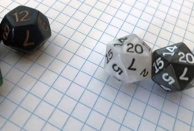 dungeons dragons dice d12 d20 2020 graph paper