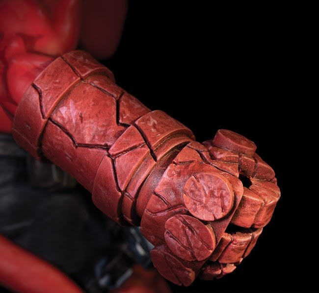 Hellboy Statue — Mantic Series