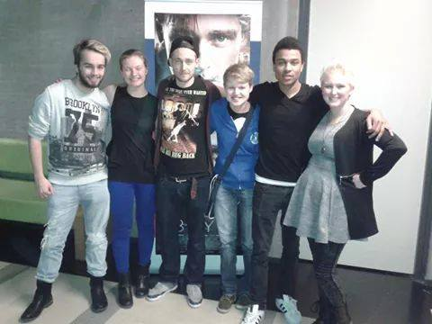 Groepsfoto, van links naar rechts: Ruben, Yvonne, Matthijs (Sam), ik, Yannick (Louis) en Mariëlle