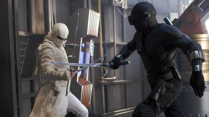 A Snake-Eyes & Storm Shadow Ninja Throw Down In G I  JOE