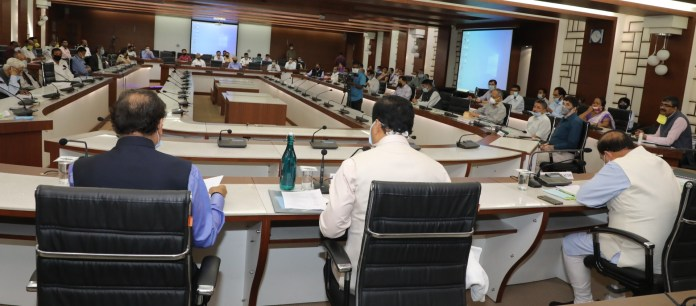 interactive session with the leading economists of the state
