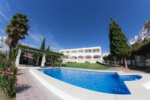 Apartamentos con piscina en Nerja