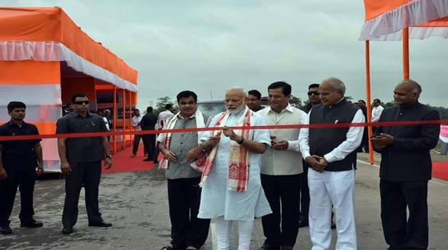 प्रधानमंत्री ने किया धोला-सदिया पुल का उद्घाटन