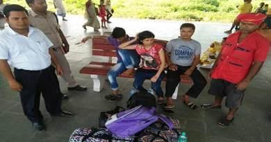 असम:सतर्क रेलवे टीटीआई ने महानंद एक्सप्रेस में नशाखुरानी के शिकार 3 यात्रियों को बचाया