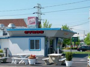 johnnys-drive-in