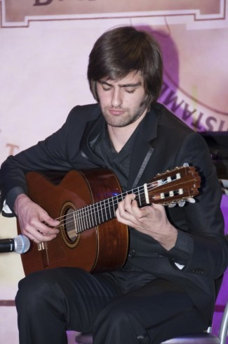 Константин Окуджава (гитара)