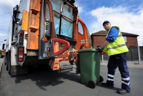 Самарские предприниматели требуют перерасчета за вывоз мусора