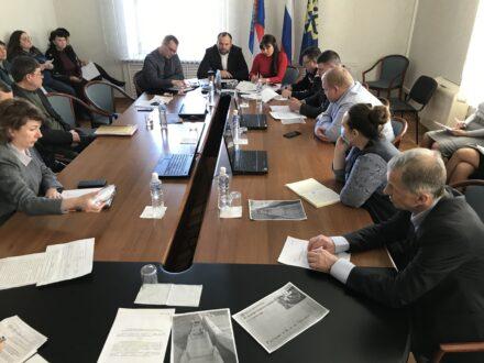 Паники нет, а недовольство есть: в Думе обсудили ситуацию с коронавирусом