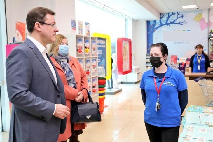 Губернатор Самарской области лично проверил, как торговые центры Самары соблюдают введенные ограничения