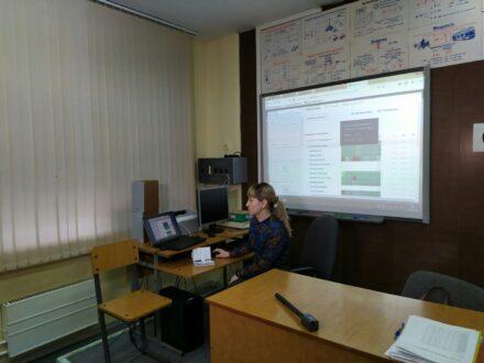 Дмитрий Азаров выделил 4,5 миллиона рублей на приобретение ноутбуков школам