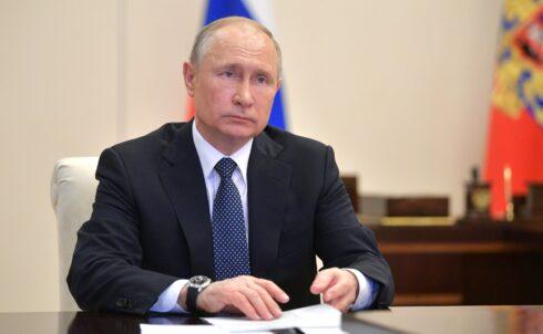 Владимир Путин поздравил коллектив АВТОВАЗа с юбилеем выпуска первого автомобиля