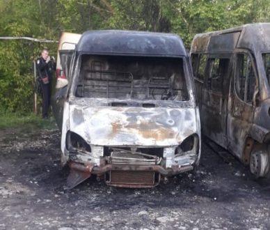 В Жигулевске сожгли автомобили муниципальной похоронной службы