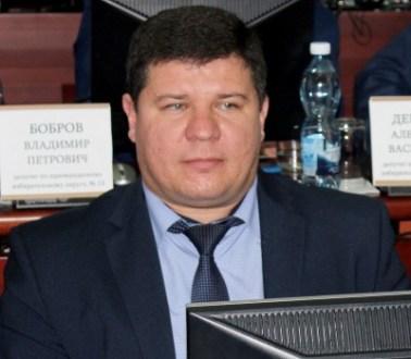 Депутат Виталий Подоляко не стал комментировать эпидемиологическую ситуацию в возглавляемой им школе
