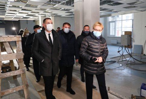 Глава Самары проверила строительство новой школы на Пятой просеке