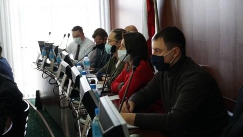 От тольяттинских чиновников ждут выполнения поручения  по повышению зарплат учителям