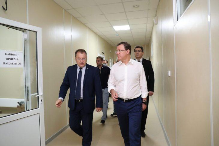 Дмитрий Азаров проверил ход строительства нового COVID -госпиталя в Самаре
