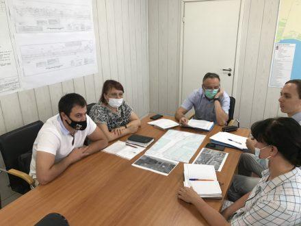 «Это безобразие у детей на глазах»: депутаты добиваются от администрации Тольятти наведения порядка в 11 квартале