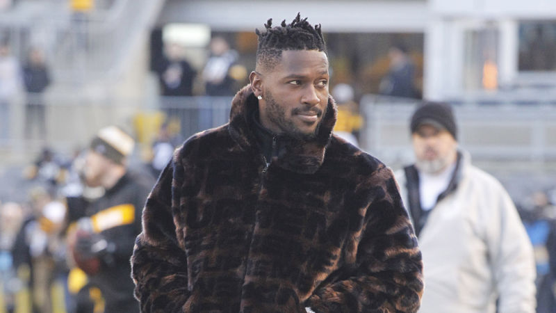 Antonio Brown Supports Mason Rudolph After Myles Garrett Fight With Funny Tweet