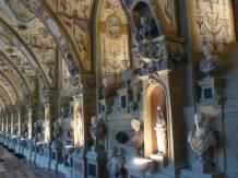 Antikensammlung im Antiquarium, einem Renaissance-Gewölbe