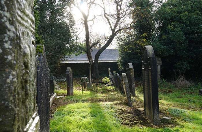 The sun in the churchyard