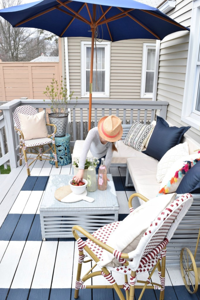 DIY backyard deck furniture