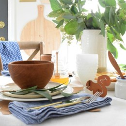 Thanksgiving Decor and Woodlands Table Setting Idea