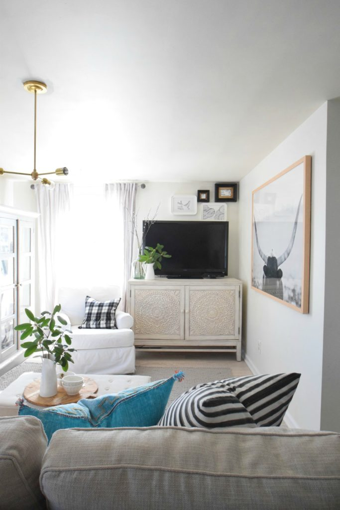Wallpaper Accent Wall- Tips on Installing