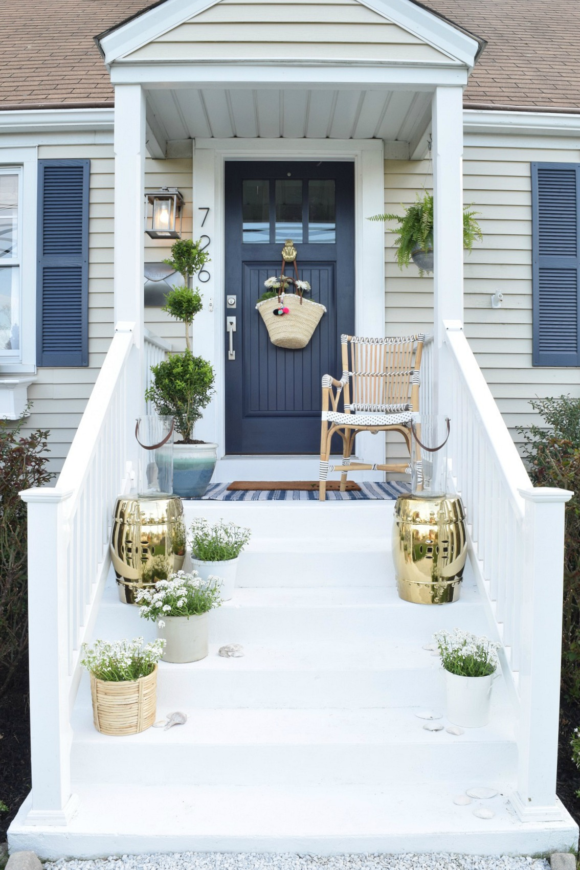 Front porch ideas and designing the outdoors nesting for Outdoor furniture for small front porch