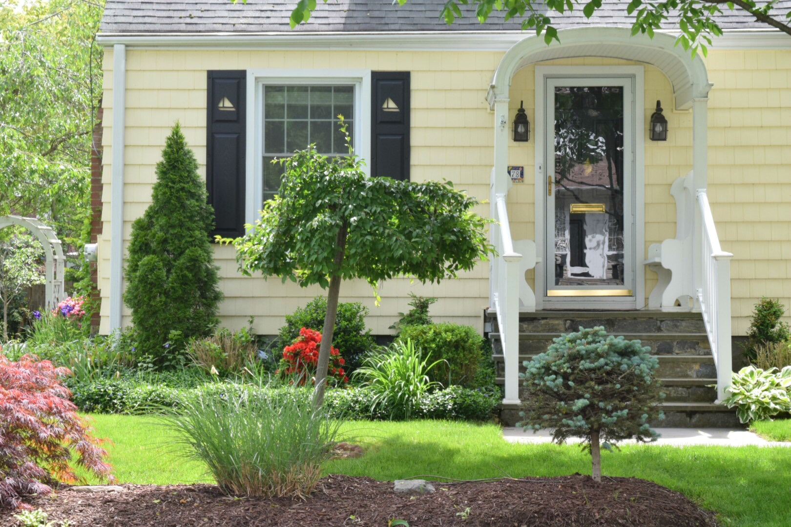 Astonishing New England Homes Exterior Paint Color Ideas Nesting With Home Interior And Landscaping Elinuenasavecom