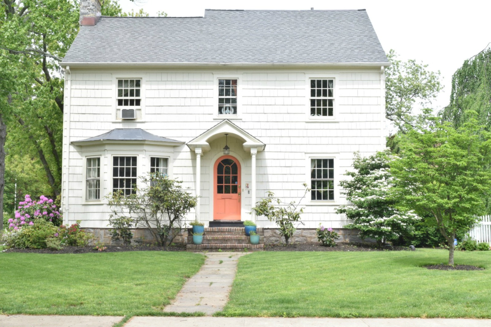 New England Homes- Exterior Paint Color Ideas