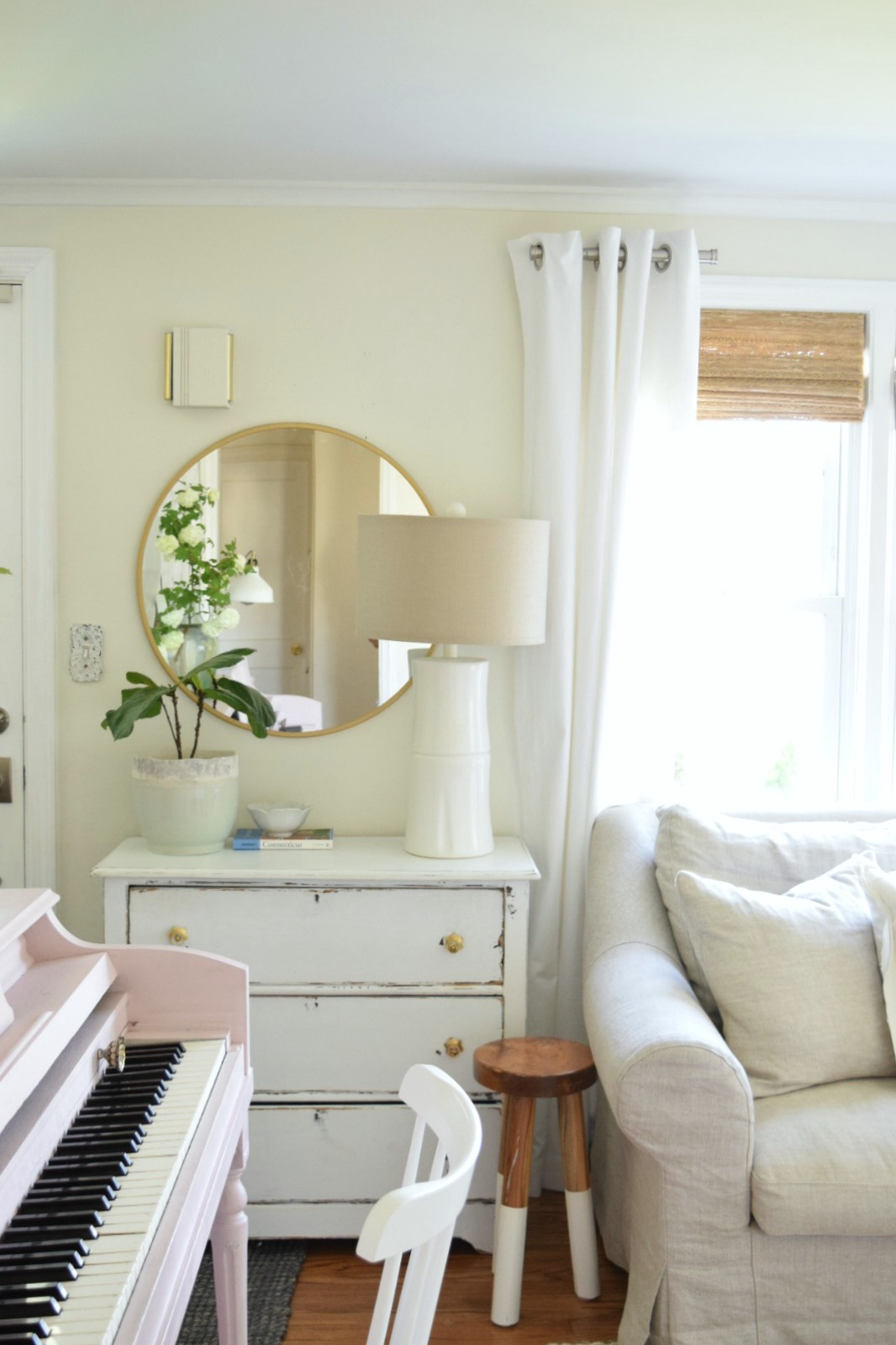 Target Mirror That Everyone Should Own- Three Different Ways to Decorate with Mirrors