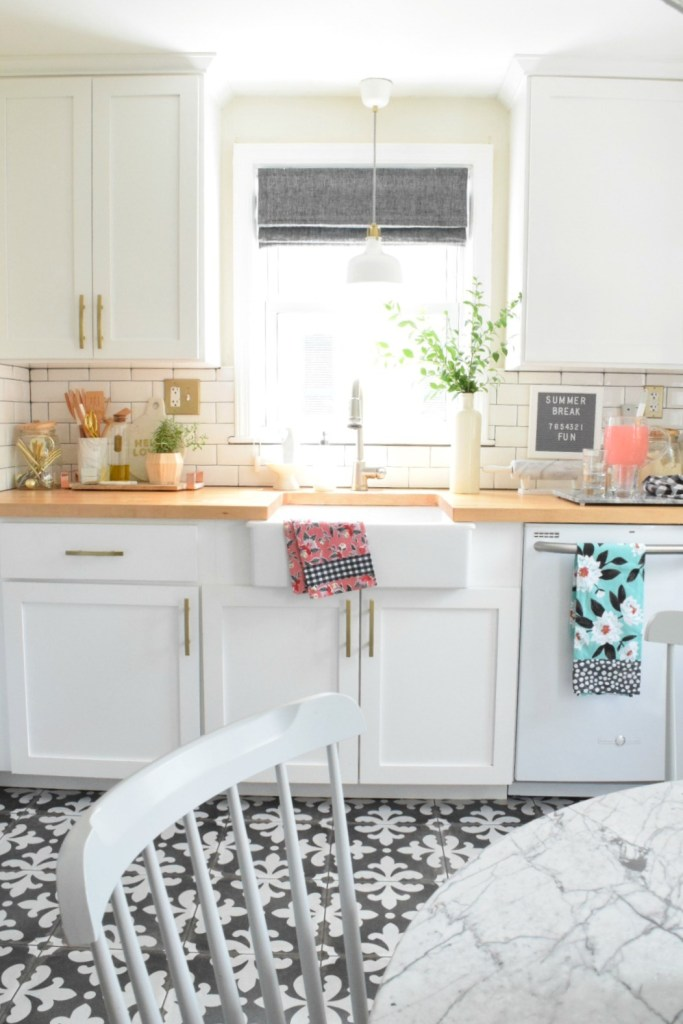 Summer Home Decor in the Kitchen