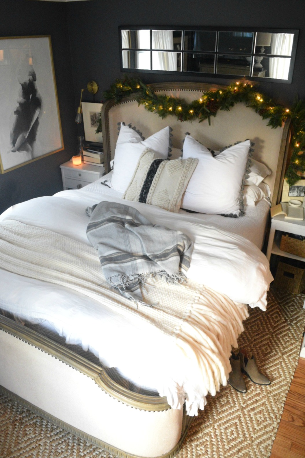 Christmas Bedroom Ideas  Simple Garland And Cozy Bedding