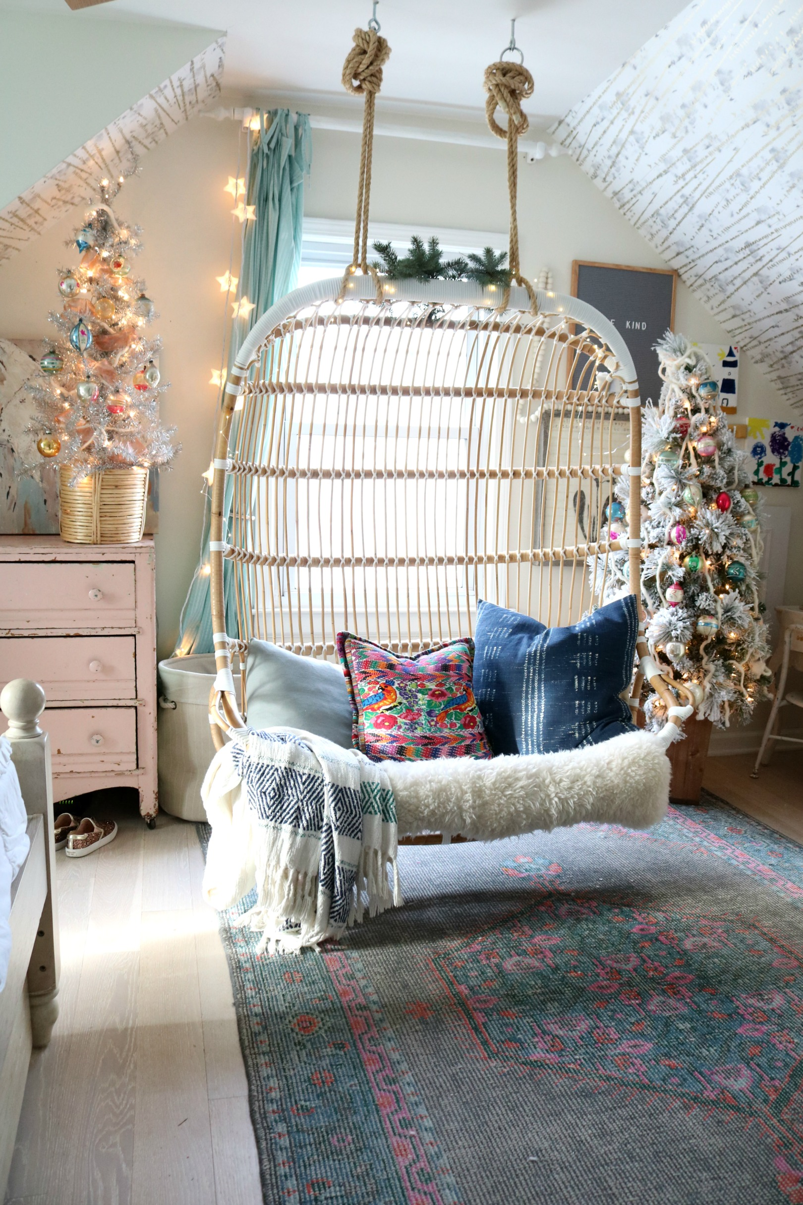 Christmas Decor in a Small Cape- Girls Shared Bedroom 044