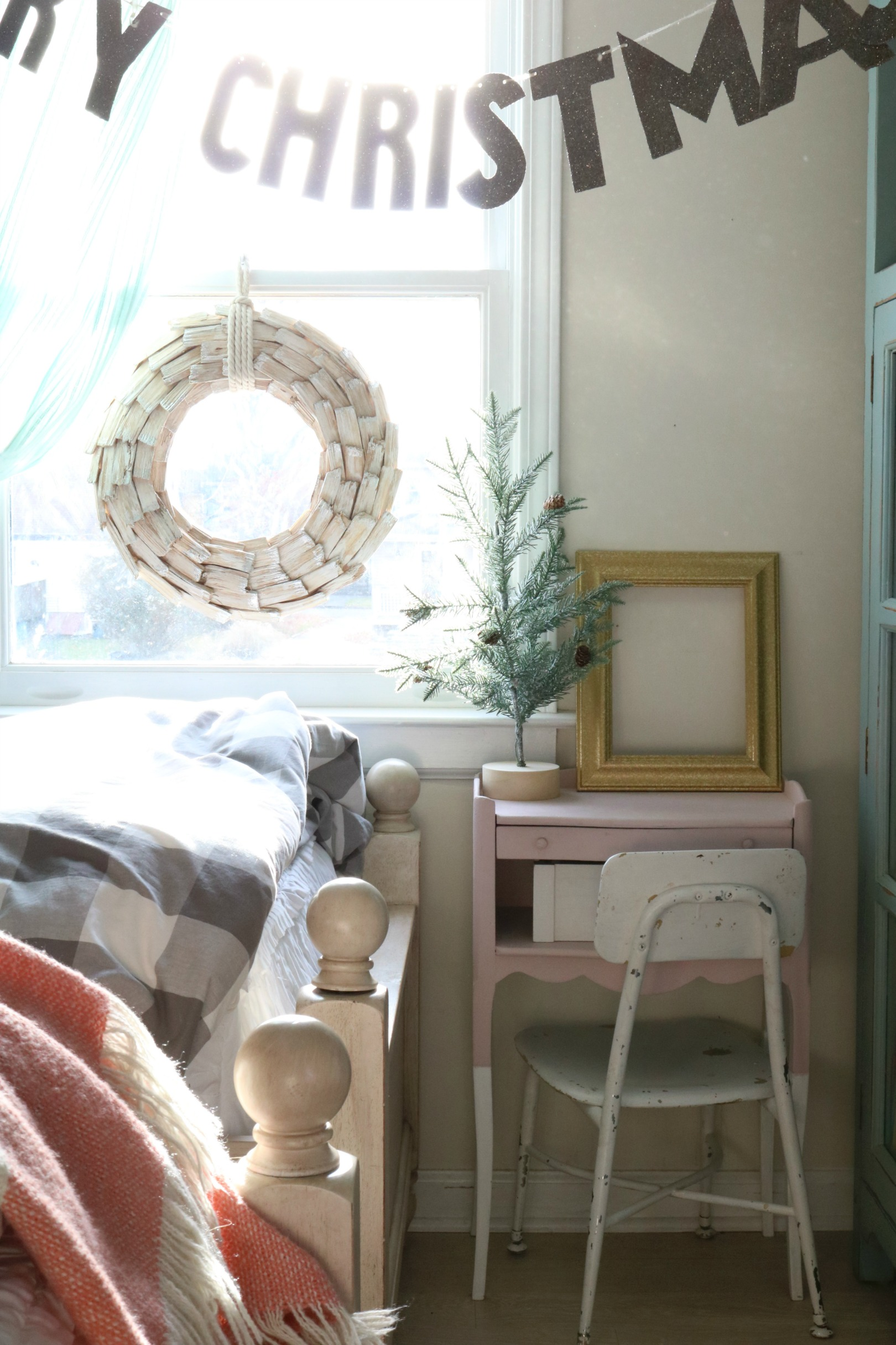 Christmas Decor in a Small Cape- Girls Shared Bedroom 0467
