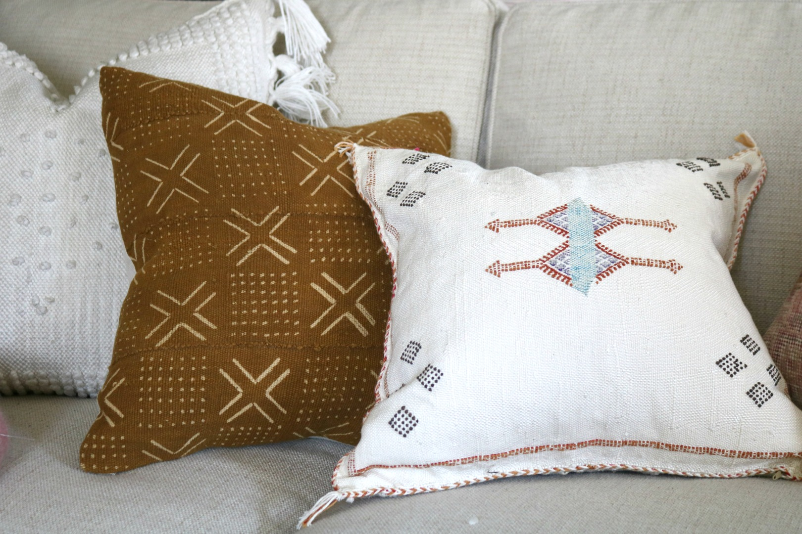 36b02aff Pillows- What to search for and my new Pillow Favorites! - Nesting ...