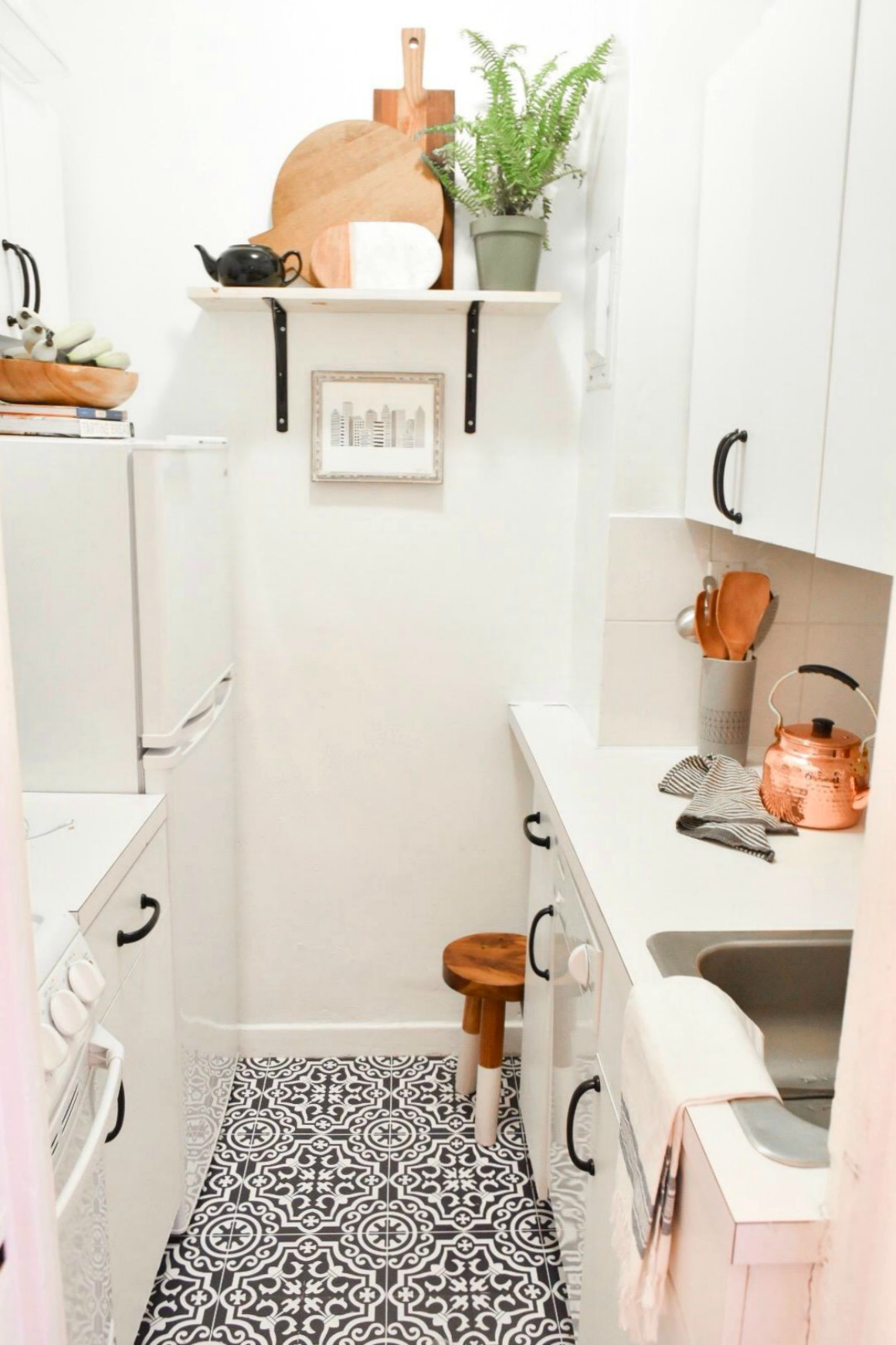 Small Space Living Series  Organizing Tips For Apartments