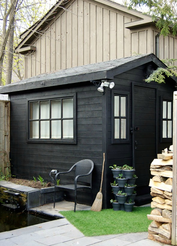 $200 Black Shed Makeover