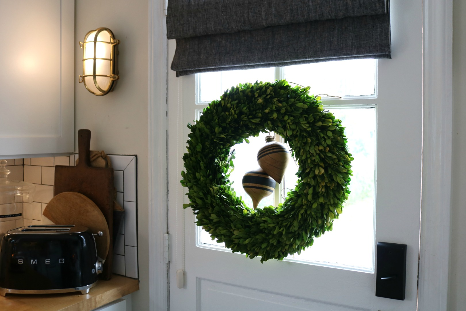 How to Create a Cozy Kitchen at Christmas