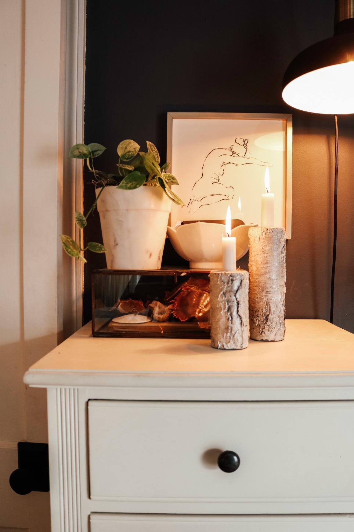 Winter Bedroom Ideas- Dark Walls in a bedroom- Kids Christmas Room Decor Ideas