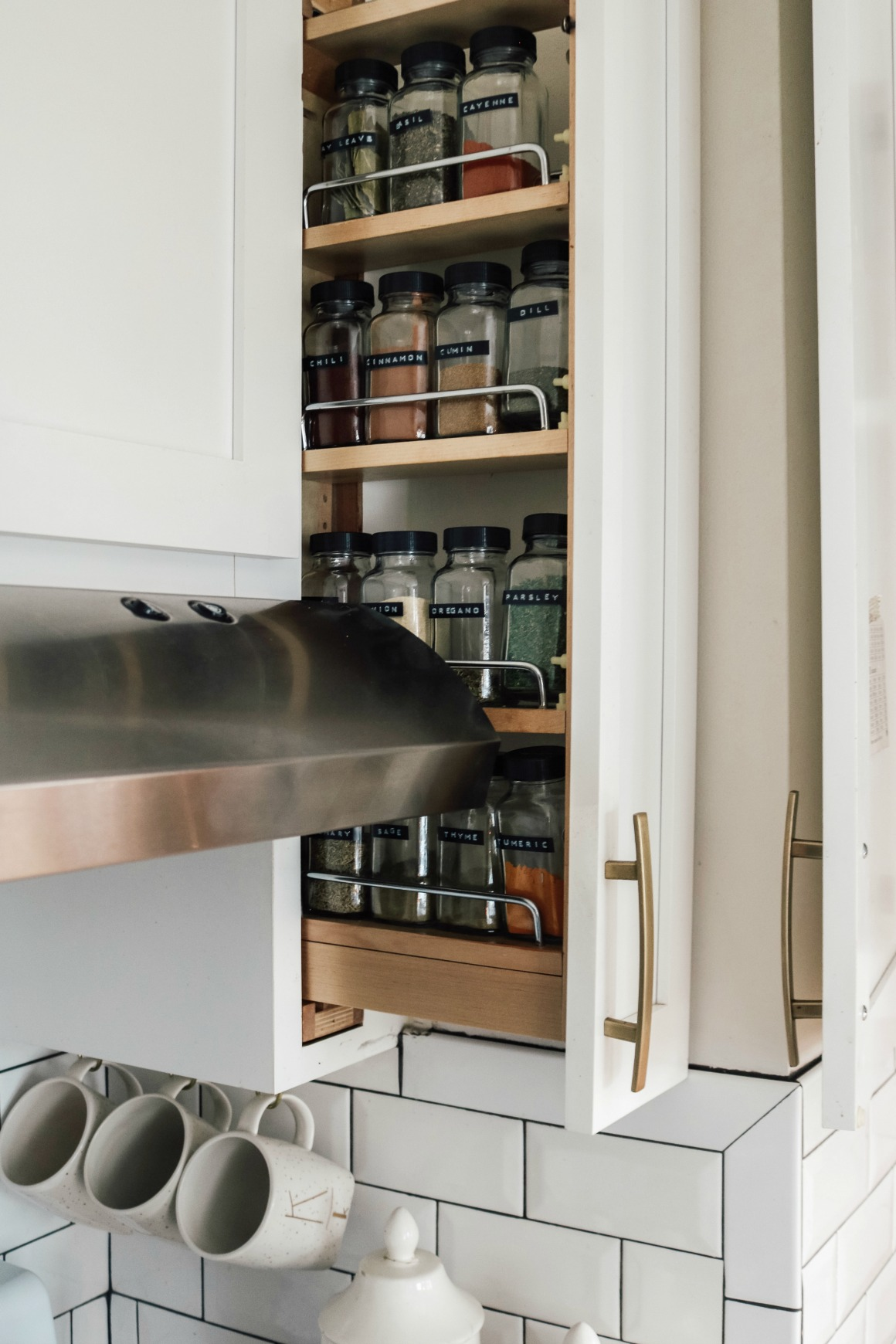 Marie Kondo Tips- Kitchen Organizing- What would Marie Do?