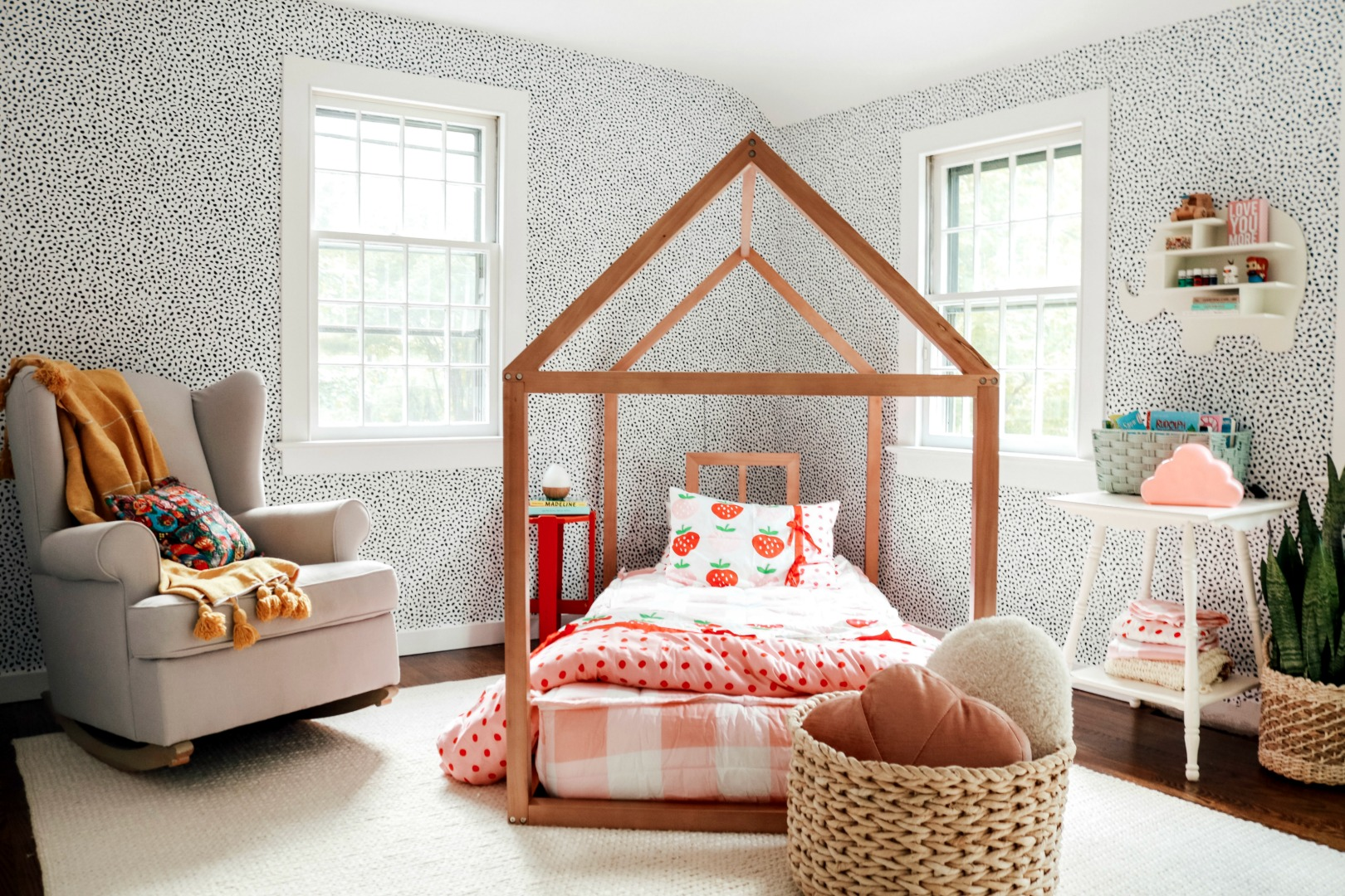 The BEST Toddler Girls Bedroom!