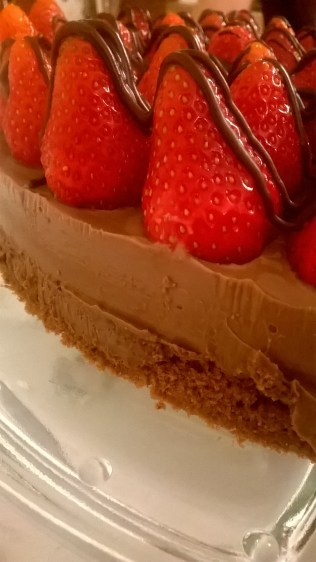 čokoladna torta sa jagodama (4)