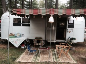 Pictures of vintage trailers from last weekend's rally