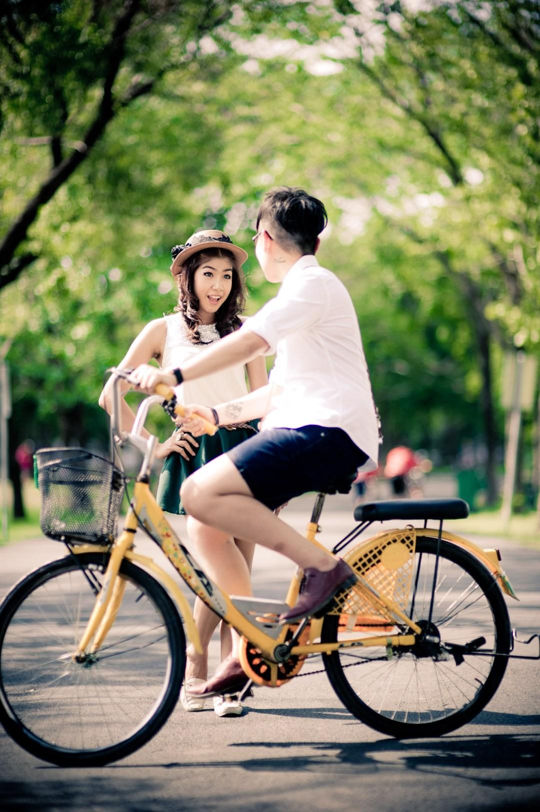 Bangkok Wedding Photography | Rod Fai Park Pre-Wedding Photography