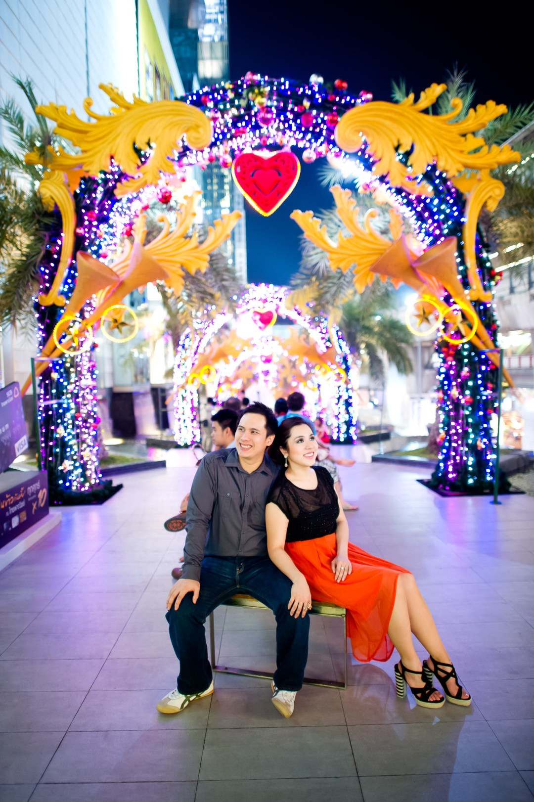 Bangkok Wedding Photography | Siam Paragon Engagement Session